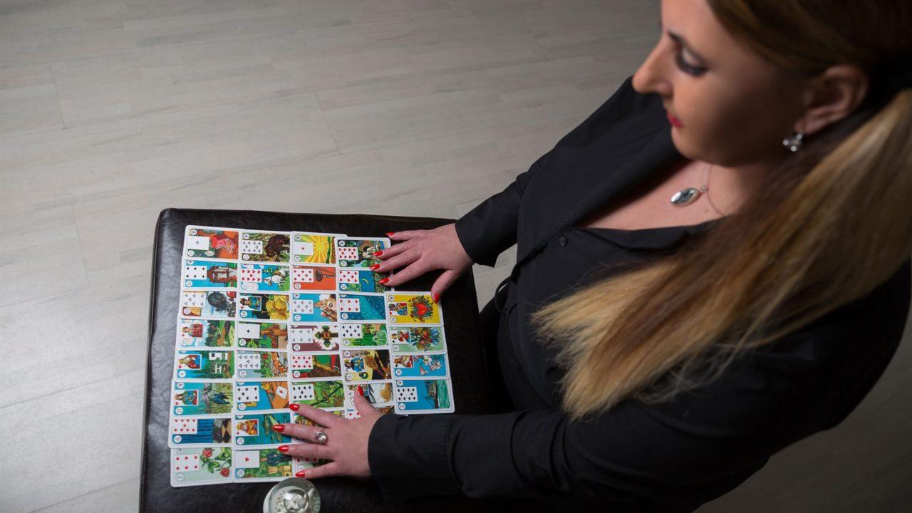 Sandrinechloe bei Namastechloe Elite Karten legen für Dich